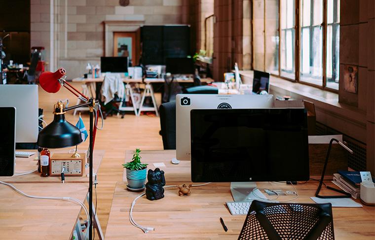 オフィスの中の風景