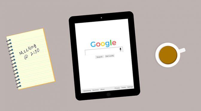 Google検索をしているタブレット